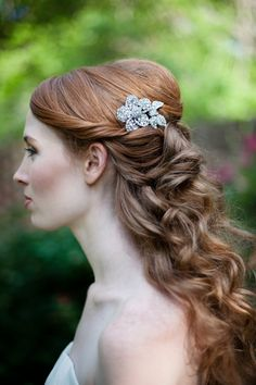 Rhinestone Flower Bridal Comb Sparkling and Gorgeous
