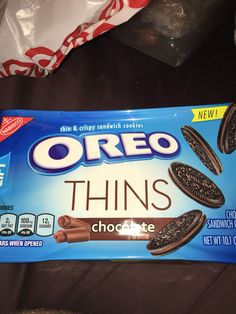 Nabisco Oreo thins chocolate creme sandwich cookies