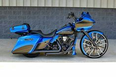 "Follow ""HD Tourers and Baggers"" on Instagram Facebook Twitter Flickr & Tumblr. Photo taken from Pinterest. ===================== Follow / Tag / DM to be featured #hdtourersandbaggers ===================== #instamotogallery #instamoto #motorcycles #harleydavidson #roadkingclassic #roadking #roadglide #streetglide #softail #showoffmyharley #harleysofinstagram #harleylife #bikelife #bikersofinstagra #bikestagram #harleyrider #harleyriders #customharley #throttlezone #harleydavidsonnation…"