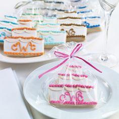 Personalized Wedding Cake Cookie Wedding Favor   #exclusivelyweddings   #pinkwedding