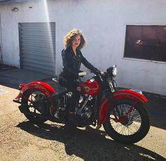 Camren Bicondova, Gotham Movie, Gotham Cast, Old Motorcycles, Victory Motorcycles, Indian Motorcycles, Hot Bikes, Biker Girl, Girl Motorcycle