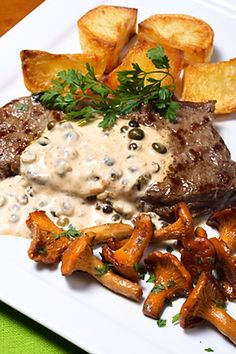This grilled steak au poivre recipe is hearty and full of flavor. Steak dishes are often very versatile and can be served with many different. Grilled Steak Recipes, Meat Recipes, Cooking Recipes, Healthy Recipes, Dips, Steak Au Poivre, Steak Dishes, I Love Food, Steak Recipes