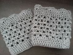 Lacy Scalloped Boot Cuffs. Revised pattern on my blog. Pattern by http://www.domesticblisssquared.com/2013/09/lacy-scalloped-crochet-boot-cuffs-free.html