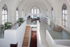 Antiga igreja dá lugar a casa de luxo com projeto minimalista na Holanda - http://buscaimoveisembrasilia.com.br/antiga-igreja-da-lugar-a-casa-de-luxo-com-projeto-minimalista-na-holanda/