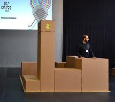 Transmedia festival: evento pionero en creación de contenidos digitales.Diseñado y producido con los materiales más sostenibles.Stands y muebles en cartón.