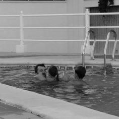 Family...My Family... #mapetiteprincesse #borja #carmen #papa #brothers #piscineando #holidays #summer #comonosgustaelagua #love #happy #summertime #familytime #jugandoconpapi #nosecansandejugar #mapetiteprincesseblog