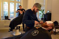 La barbería de Dapper en Grünerløkka / Dapper Barbershop Oslo, Captain Hat, Hipster, The Neighborhood, Hipsters, Hipster Outfits