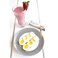 """God morning  Breakfast  Dairy free smoothie made with mango, blueberries, blackberries, raspberries, coconut milk, coconut cream, unsweetened almond milk, and vanilla powder  2 FinnCrisp with eggs and a yummie #Questbar as """"Breakfast Dessert""""...ever heard of it?  #breakfast #lchf #lchfklubben #lowcarb #lavkarbo #healthy #weightloss #paleo #questnutrition #Padgram"""
