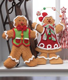RAZ Gingerbread Boy and Girl Tabletop Christmas Decoration at Trendy Tree