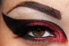 Star Wars inspired eye makeup for all you awesome female geeks!