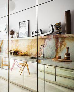 art-filled kitchen in milan. / sfgirlbybay
