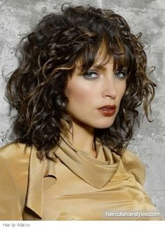 Medium Length Curly Layered Hairstyles | super chic medium curly hair style medium hairstyles gallery