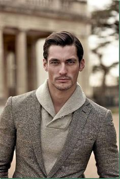 David Gandy Too long men were being portrayed as frail sickly Pattingson looking guys on these fashion mags. David Gandy, Great Hairstyles, Elegant Hairstyles, Hairstyles Men, Hairstyle Ideas, Hair Ideas, Mode Masculine, Trendy Haircuts, Haircuts For Men