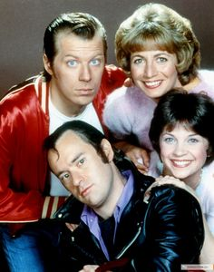 """Laverne and Shirley 1976 - 1983 Works at Shotz Brewery as bottlecappers. Laverne DeFazio - Penny Marshall Shirley Feeney - Cindy Williams Andrew """"Squiggy"""" Squiggman - David L. Enjoyed them all! Childhood Tv Shows, My Childhood Memories, Best Memories, 1980s Childhood, Best Tv Shows, Favorite Tv Shows, Laverne & Shirley, Pin Up, Old Shows"""