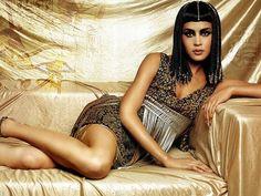 Angelina Jolie& Next Film – Cleopatra: Awesome Fan-Made Looks of . Egyptian Makeup, Egyptian Fashion, Egyptian Beauty, Egyptian Queen, Egyptian Goddess, Egyptian Jewelry, Angelina Jolie, Le Jolie, Queen Cleopatra