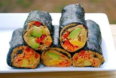 Yummy Raw Vegan Sushi, filled will sunflower pate, creamy avocado, crunchy carrots and sweet bell pepper. Perfect treat without the meat! Sushi Recipes, Raw Vegan Recipes, Vegan Foods, Vegan Dishes, Vegan Gluten Free, Whole Food Recipes, Raw Sushi, Vegan Sushi, Vegan Vegetarian