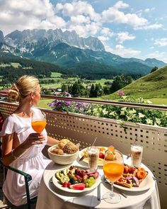 Our Stay at Hotel Kaiserblick in Summer - pilotmadeleine - Sissi Bonilla - Nature travel Oh The Places You'll Go, Places To Travel, Travel Destinations, Destination Voyage, Travel Aesthetic, Travel Goals, Travel Trip, Adventure Travel, Cruise Travel