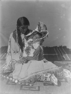 Native American Pictures, Native American Beauty, Native American Tribes, Native Americans, American History, Trail Of Tears, Cowboys And Indians, Historical Images, Sioux