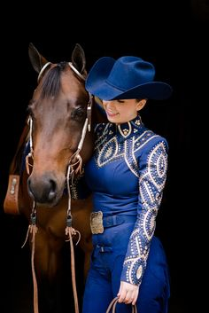One on One Photography Mentorship Session with Quincy Warner - Kirstie Marie Photography Western Show Shirts, Western Show Clothes, Horse Show Clothes, Cowboy Girl, Cowgirl And Horse, Cowgirl Style, Horse Riding, Cowgirl Outfits, Western Outfits