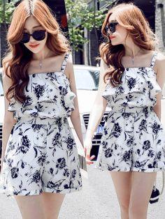 Korean Fashion Dress, Kpop Fashion Outfits, Latest Outfits, Cute Fashion, Girl Fashion, Asian Fashion, Fashion Dresses, Cute Casual Outfits, Pretty Outfits
