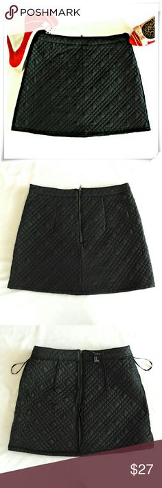 """Quilted mini skirt. NWOT. Adorable structured classic flirty skirt.  Details: waist 28"""", length 14"""", PU faux leather, nylon and rayon lining. Forever 21 Skirts Mini"""