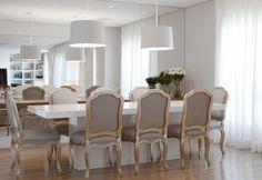 Ambientes aconchegantes com integração da área social. Veja: http://www.casadevalentina.com.br/projetos/detalhes/ampliando-a-convivencia-602 #decor #decoracao #interior #design #casa #home #house #idea #ideia #detalhes #details #style #estilo #cozy #aconchego #conforto #casadevalentina #diningroom #saladejantar