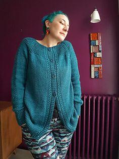 Ravelry: George pattern by Julie Knits In Paris. Karma Chameleon, Knitting Paterns, Knit Patterns, Cardigan Pattern, Knit Cardigan, Ravelry, Baby Camel, Boyfriend Cardigan, Cozy Sweaters