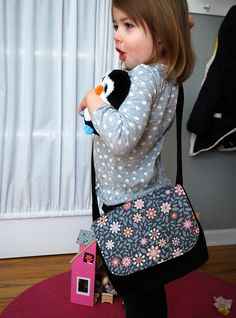 How to make child-sized messenger bag free pattern and sewing tutorial