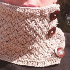 Celtic stitch circle scarf free pattern crochet with video tutorial