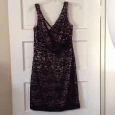 ⬇️FINAL PRICE⬇️Pink & black lace dress size 4P ⬇️FINAL PRICE ⬇️Beautiful size 4 Petite lace dress worn once to a wedding. Purchased at Nordstrom. Suzi Chin For Maggie Boutique Dresses