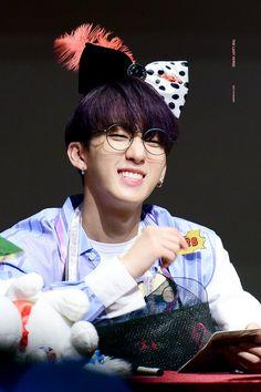 Fandom, Lee Know, Boy Groups, Kpop, Cute, Pictures, Twitter, Kids Wallpaper, Wallpapers