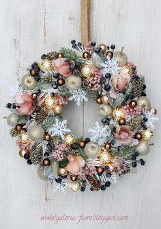 Rose Gold Christmas Decorations, Christmas Advent Wreath, 2 Advent, Noel Christmas, Holiday Wreaths, Christmas Crafts, Advent Wreaths, Christmas Tables, Reindeer Christmas