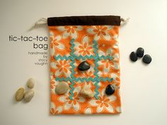 tic-tac-toe game - perfect to trow in your purse to keep the kids busy