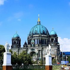 Guardians. #Berlin #Germany #Deutschland #travel #churchstagram #ichliebeberlin #iloveberlin #visit_berlin