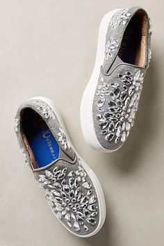 Super-Easy Ways To Make Your Shoes Look More Expensive Jeffrey Campbell Sarlo Jeweled SneakersJeffrey Campbell Sarlo Jeweled Sneakers Do It Yourself Mode, Cute Shoes, Me Too Shoes, Daily Shoes, Diy Fashion, Fashion Shoes, Runway Fashion, Fashion Trends, Shoe Makeover