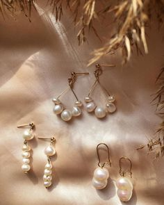 """@empejewelry on Instagram: """"Key pieces🌾 Handmade using gold plated accesories and natural pearls #empejewelry#custom#pearls"""" Plating, Helmet, Pearl Earrings, Key, Pearls, Natural, Gold, Handmade, Instagram"""
