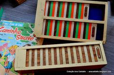Ana Caldatto : Coleção Antigo Estojo escolar com Tampa colorida deslizante anos 60/70