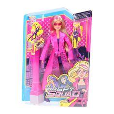 Kom in actie met de Barbie Geheim Agent pop van Barbie en het Geheime Team! In deze actiefilm speelt Barbie een turnster die samen met haar vriendinnen Teresa en Renee geheim agent wordt. Met haar coole moves en stijl is de Barbie Geheim Agent pop helemaal klaar voor haar missie. Ze ziet er supercool uit in haar paarse bodysuit met riem en laarzen, verwijderbare roze regenjas en roze zonnebril. Als het tijd is voor een snelle ontsnapping plug je de bijgeleverde spionnentool (de G.L.I.S.S…