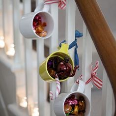 Mugs w candy. Sweet!