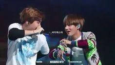 ; focus on taehyung microphone ㅋㅋㅋ 😂❤ __