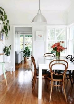 Australian Homes — Sections — The Design Files Dining Room Inspiration, Home Decor Inspiration, Sweet Home, Minimalist Apartment, Parisian Apartment, The Design Files, Australian Homes, Deco Design, Home Interior