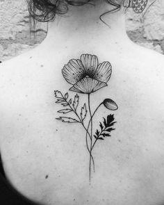 Coquelicot mon amour #flowers #fleur #flowerpower #compoflorale #coquelicot #ink #girltattoo #botanicaltattoo #draw #graphique #graphicdesign #feminité #feminity #dotwork #blackink #backtattoo #skin #bodyart #lyon #marquistheoriginal #luciebambibabayan
