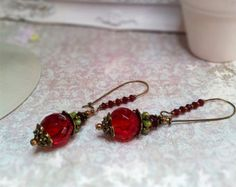 Check out Victorian Earrings,Antique Renessance jewelry,Romantique Vintage style earrings.Chandelier Earrings.Red beads earrings on ezdessin