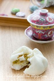 dailydelicious: Vegetarian Chinese steamed buns: Chinese steamed buns with Vegetable filling