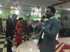 EJIKENNAM.BLOGSPOT.COM: UNIDENDIFIED  PASTOR SPOTED FIGHTING DEVIL WITH CU...