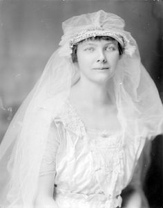 Mrs. Phil Peyton from Holsinger Studio Collection · Holsinger's Studio (Charlottesville, Va.) · 1890-1938 · Albert and Shirley Small Special Collections Library, University of Virginia.