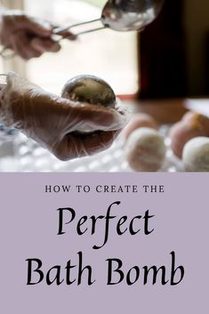 Your entire body will benefit when your feet are pleased and satisfied, so use these natural remedies for any foot problems you might have. Natural Wart Remedies, Skin Care Remedies, Bath Bomb Maker, Warts Remedy, Get Rid Of Warts, Spa Items, Natural Bath Bombs, Fizzy Bath Bombs, Bath Bomb Gift Sets