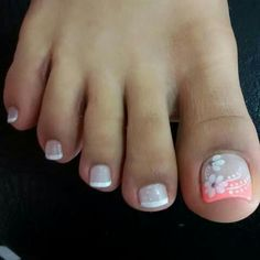 Paola Pedicure Designs, Pedicure Nail Art, Toe Nail Designs, Toe Nail Art, Acrylic Nails, Cute Toe Nails, Love Nails, Pretty Nails, Feet Nail Design