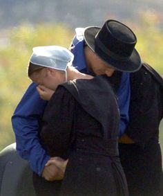 Amish A Secret Life Nederlands.Amish Women Cover Their Hair With Caps The Color Of The Cap Is