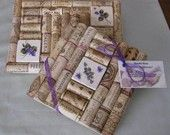Artículos similares a Wine Cork Trivet Set with Violet Flower Tile Insert en Etsy